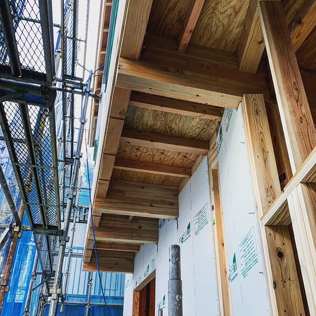 #earthquakeresistingwall on the #cantilever #structuralengineering #house #japan #timberstructure